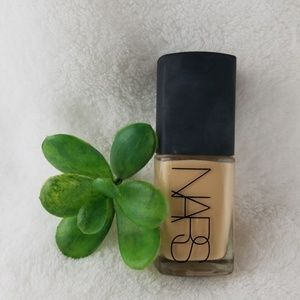 Other - NARS Sheer Glow foundation in Fiji